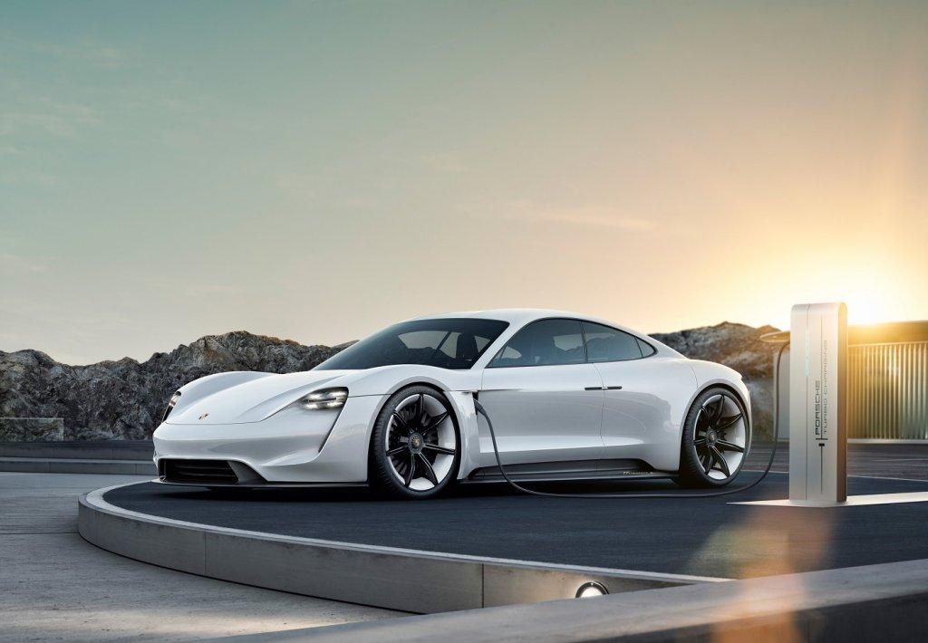 Taycan la prima Porsche elettrica