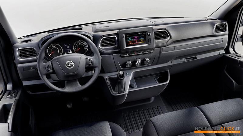 Nissan NV400